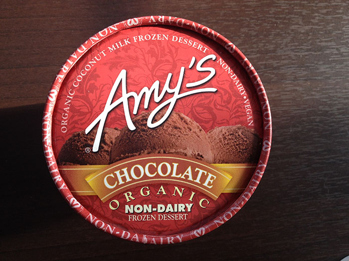 amys-vegan-chocolate-ice-cream